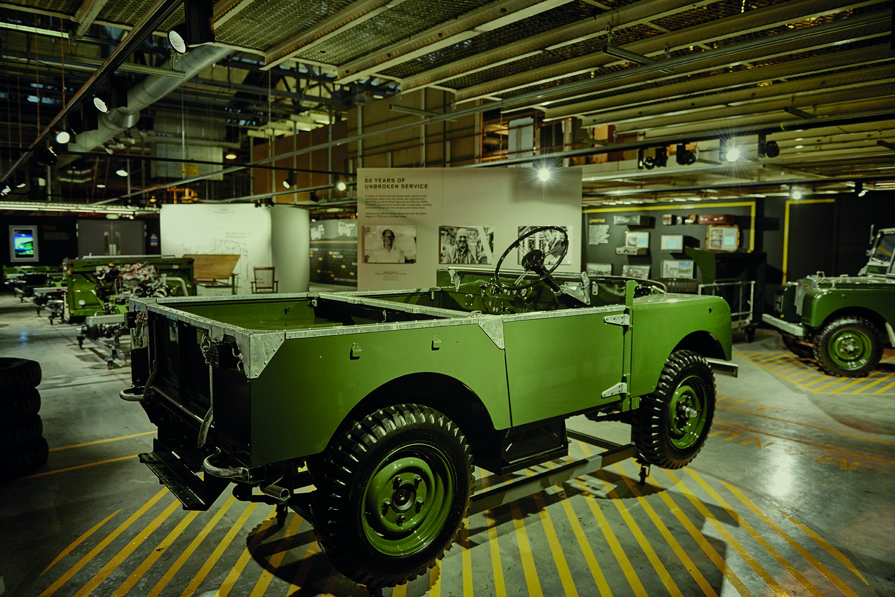 Land Rover Defender 001