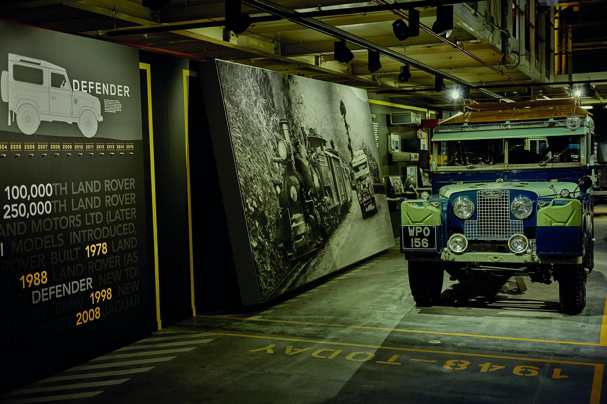 Land Rover Defender 003