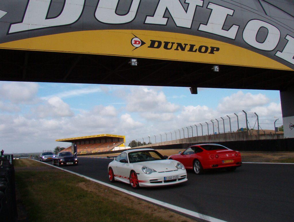 Onder de beroemde Dunlop-brug