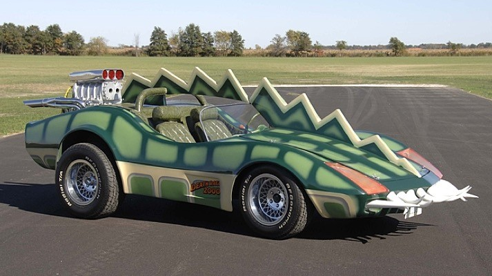 the-modified-1975-corvette-c3-frankenstein-drove-in-death-race-2000-goes-on-auction-photo-gallery_3