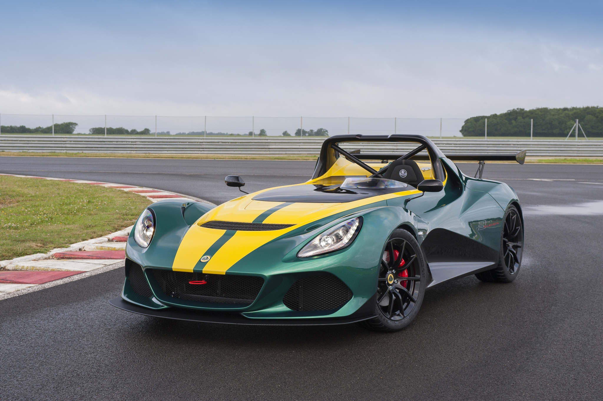 Lotus 3-Eleven Official 00