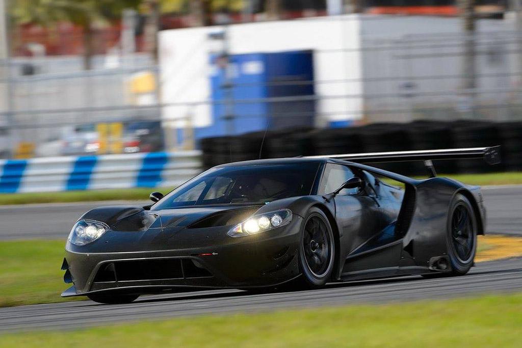 2016-ford-gt-race-car_100529864_l