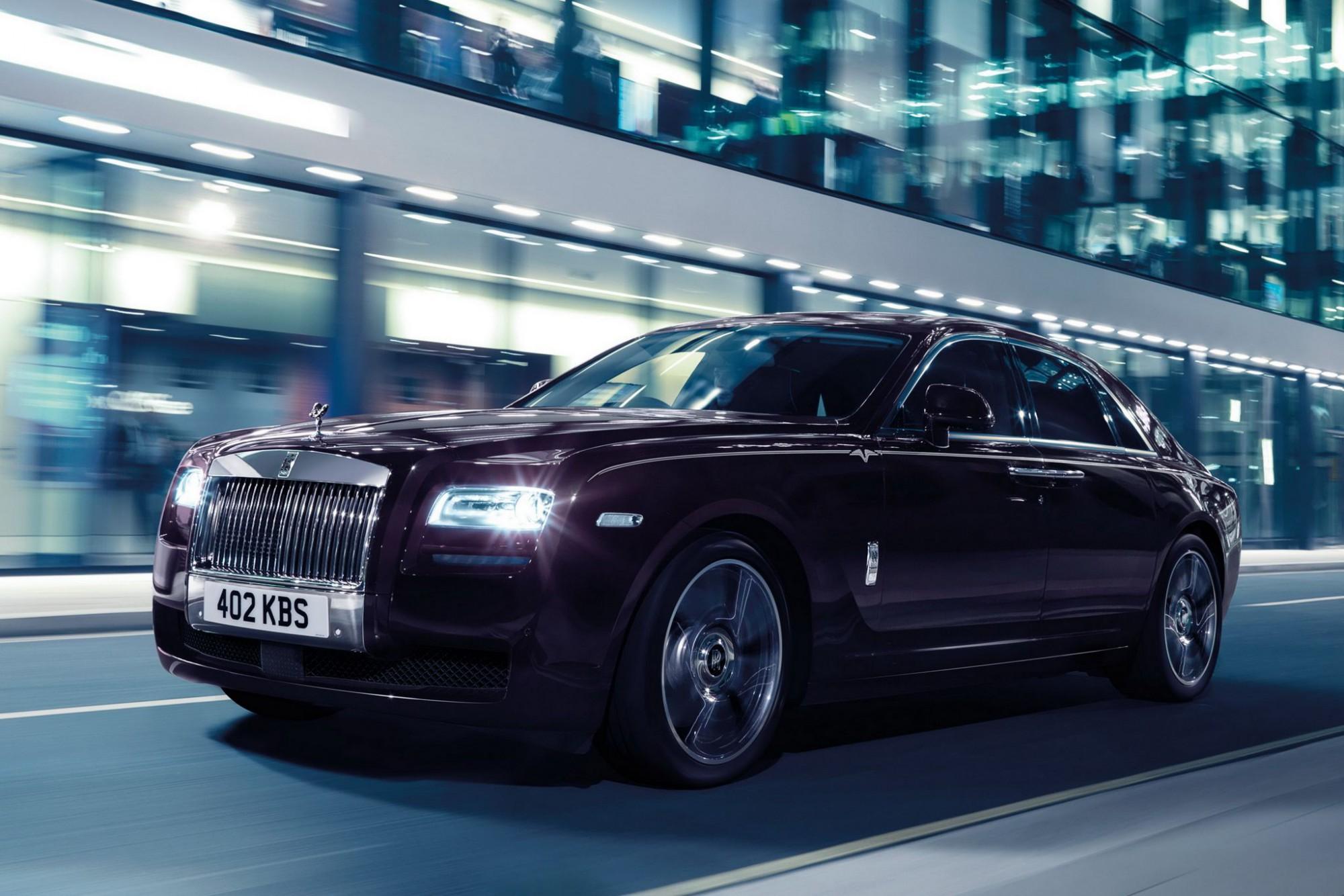 8 Rolls-Royce Ghost