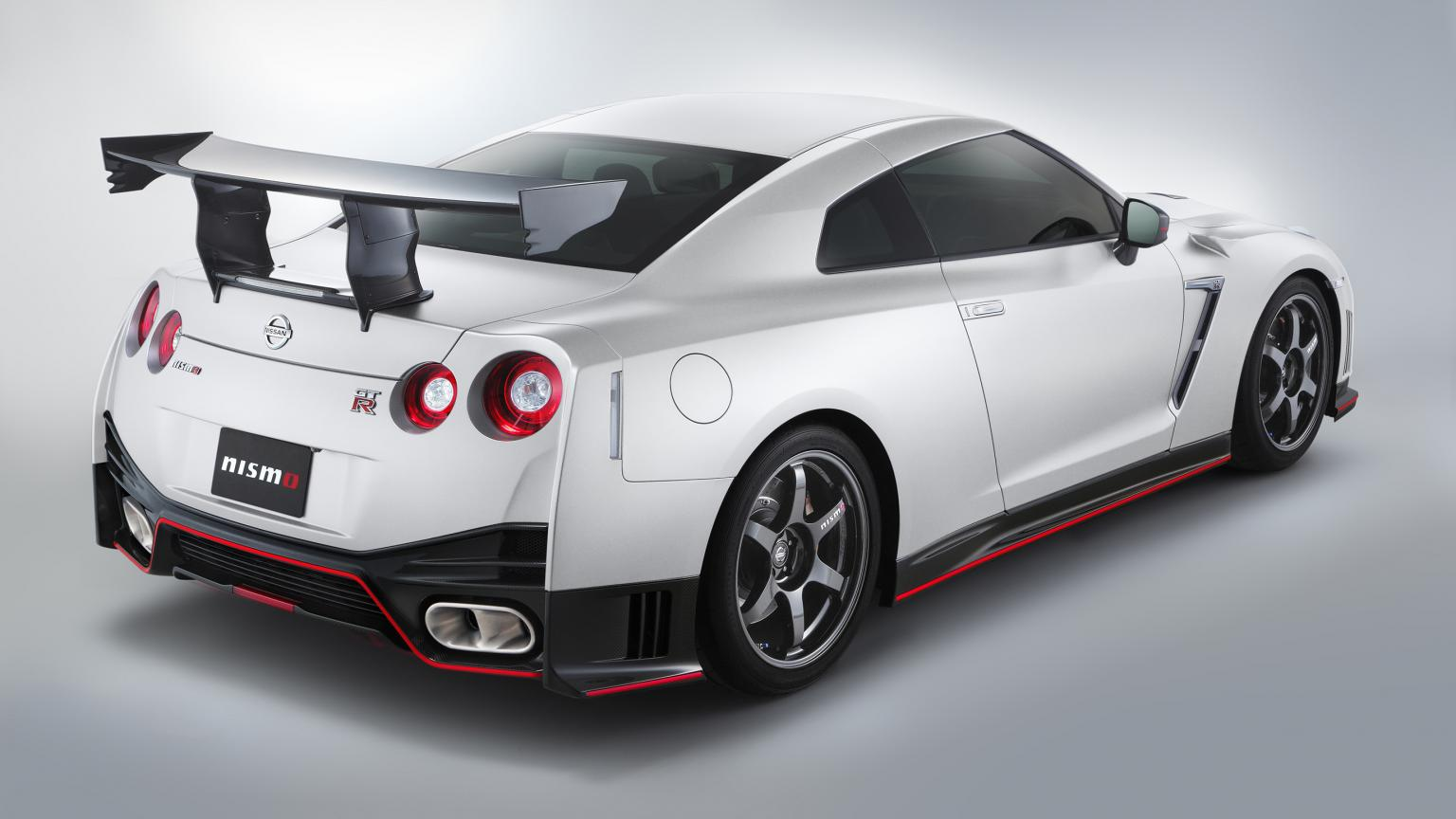 Nissan-GT-R-Nismo-N-Attack-Package-002