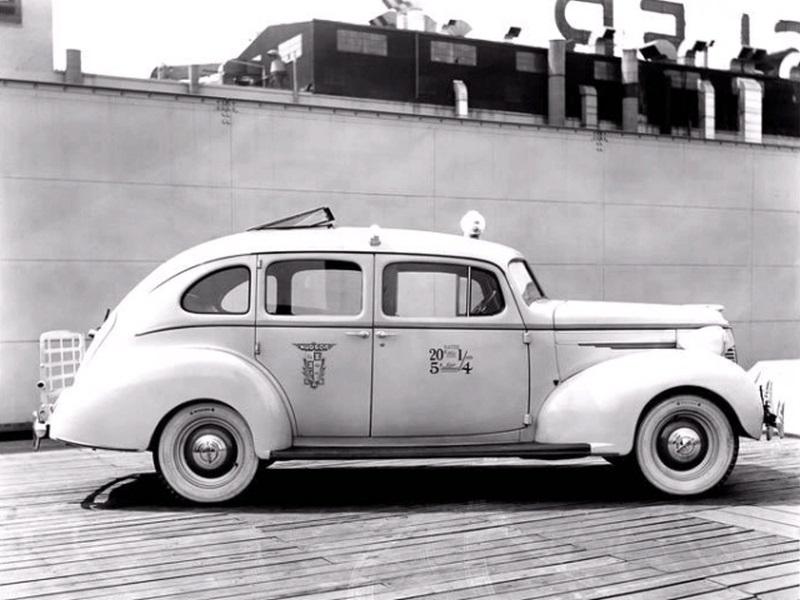TAXI Hudson 112 Taxi Cab 1939