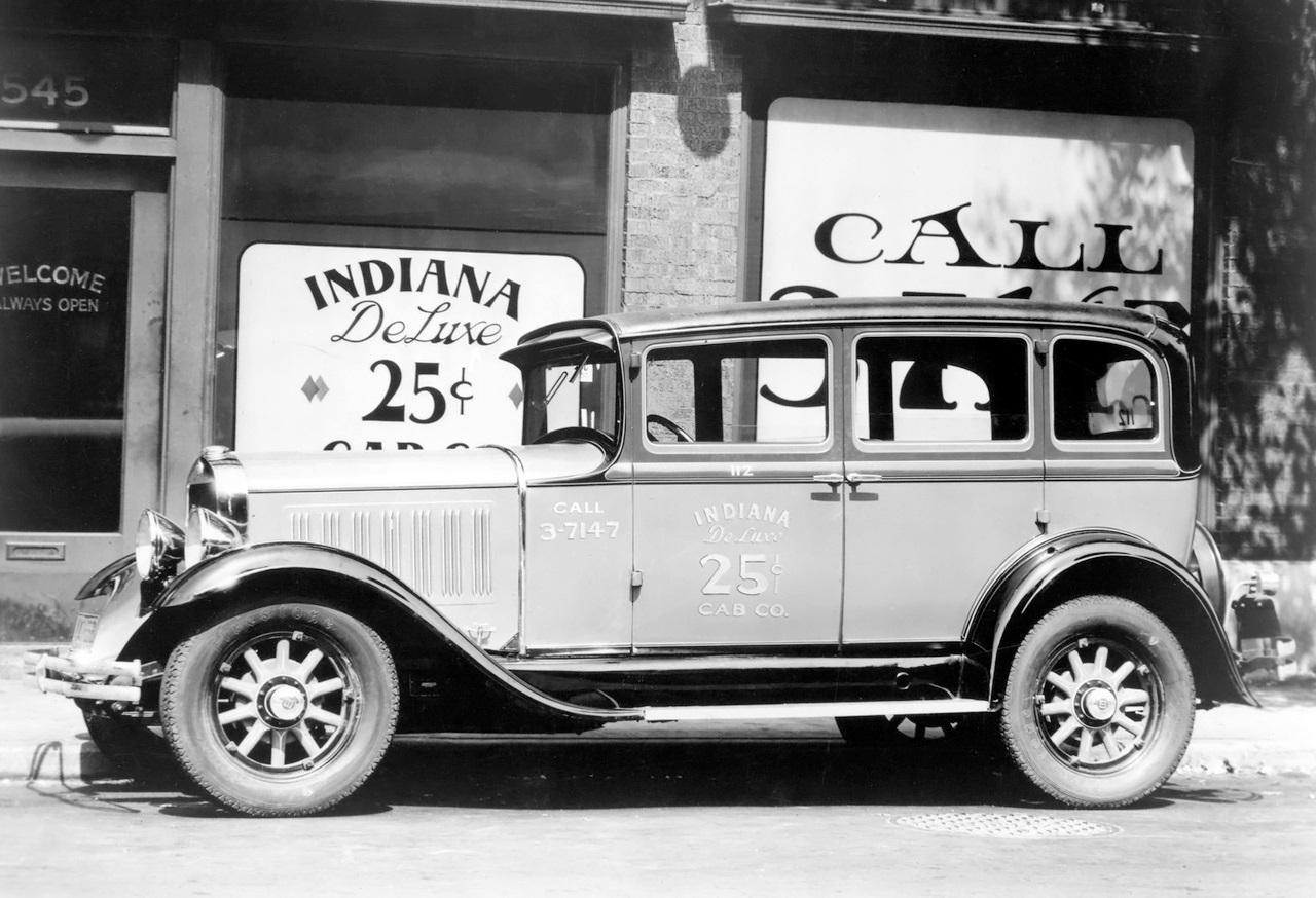 TAXI Studebaker Dictator Eight Taxi 1930
