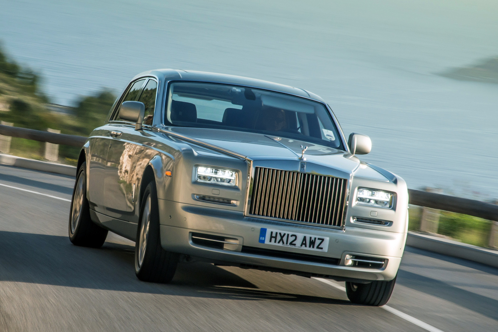 rolls-royce_phantom_25