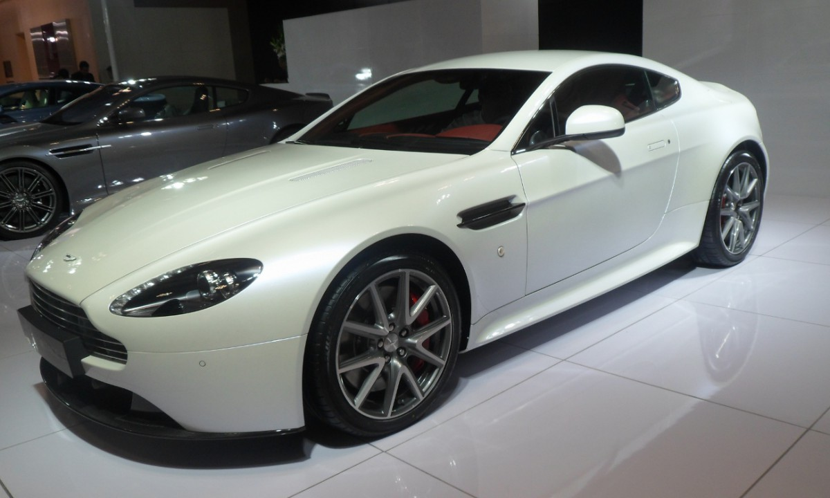 Aston_Martin_V8_Vantage_Auto_Chongqing_2012-06-07