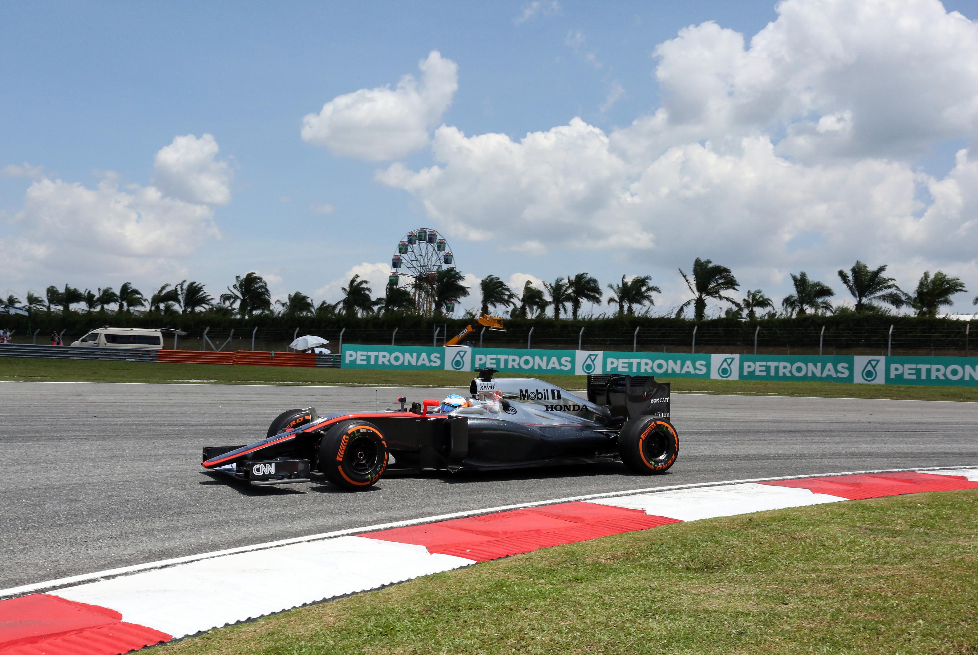De McLaren-Honda in actie tijdens de F1-race in Maleisië. ©PPE/ddp/mspb/ Thomas Melzer