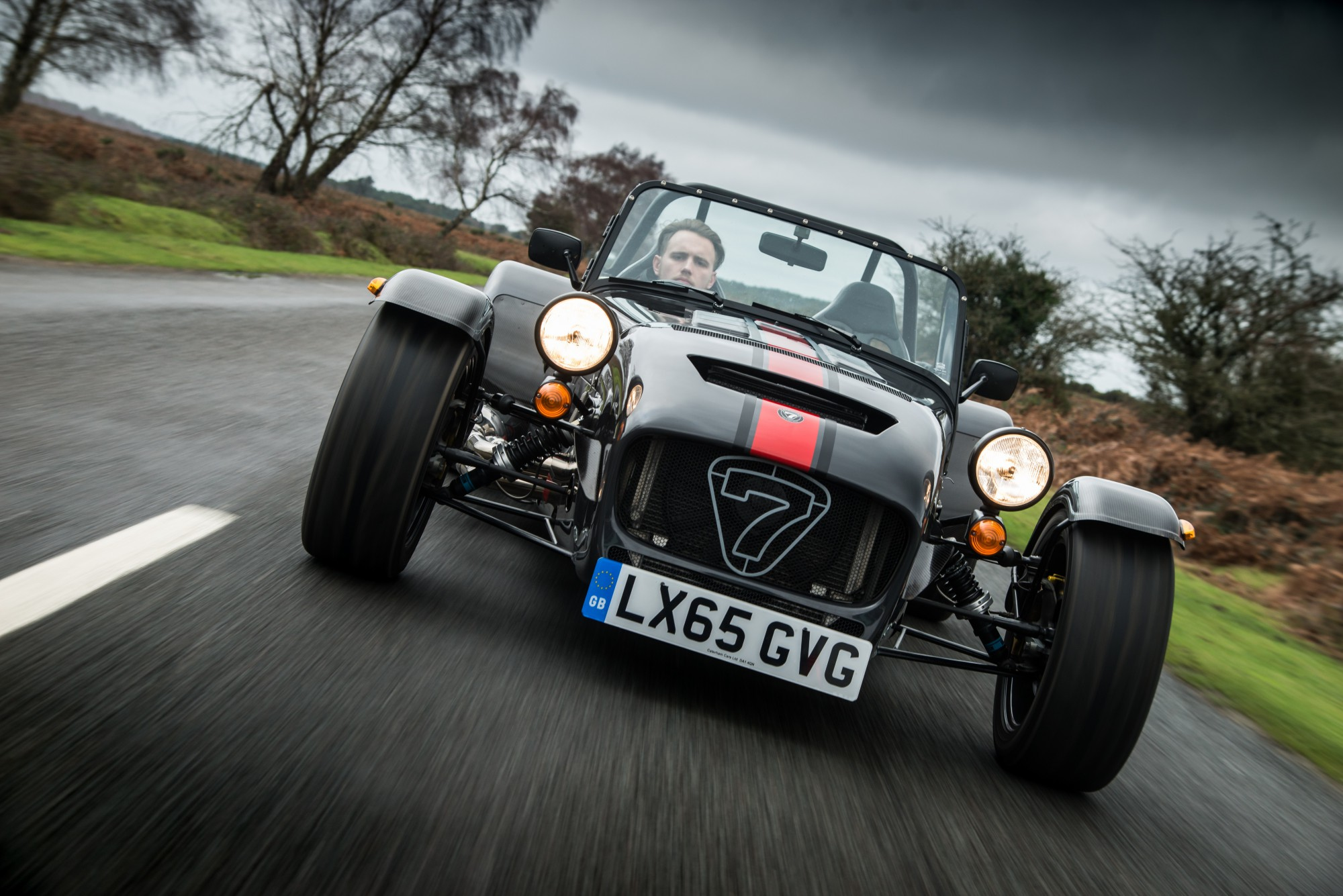 the-caterham-seven-620-receives-s-pack-and-wider-bodied-chassis-photo-gallery_1