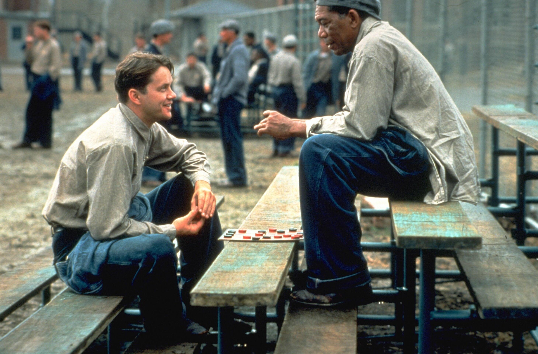 """Morgan Freeman in The Shawshank Redemption. """"Rechtsaf was de verkeerde keuze, Tim."""" Foto: The Shawshank Redemption"""
