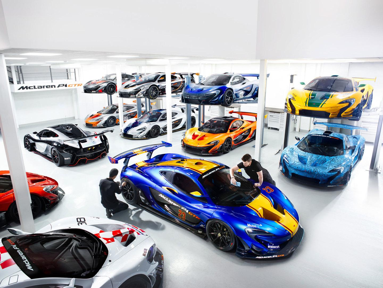 Twaalf exemplaren van de McLaren P1 GTR bij elkaar. Foto: McLaren