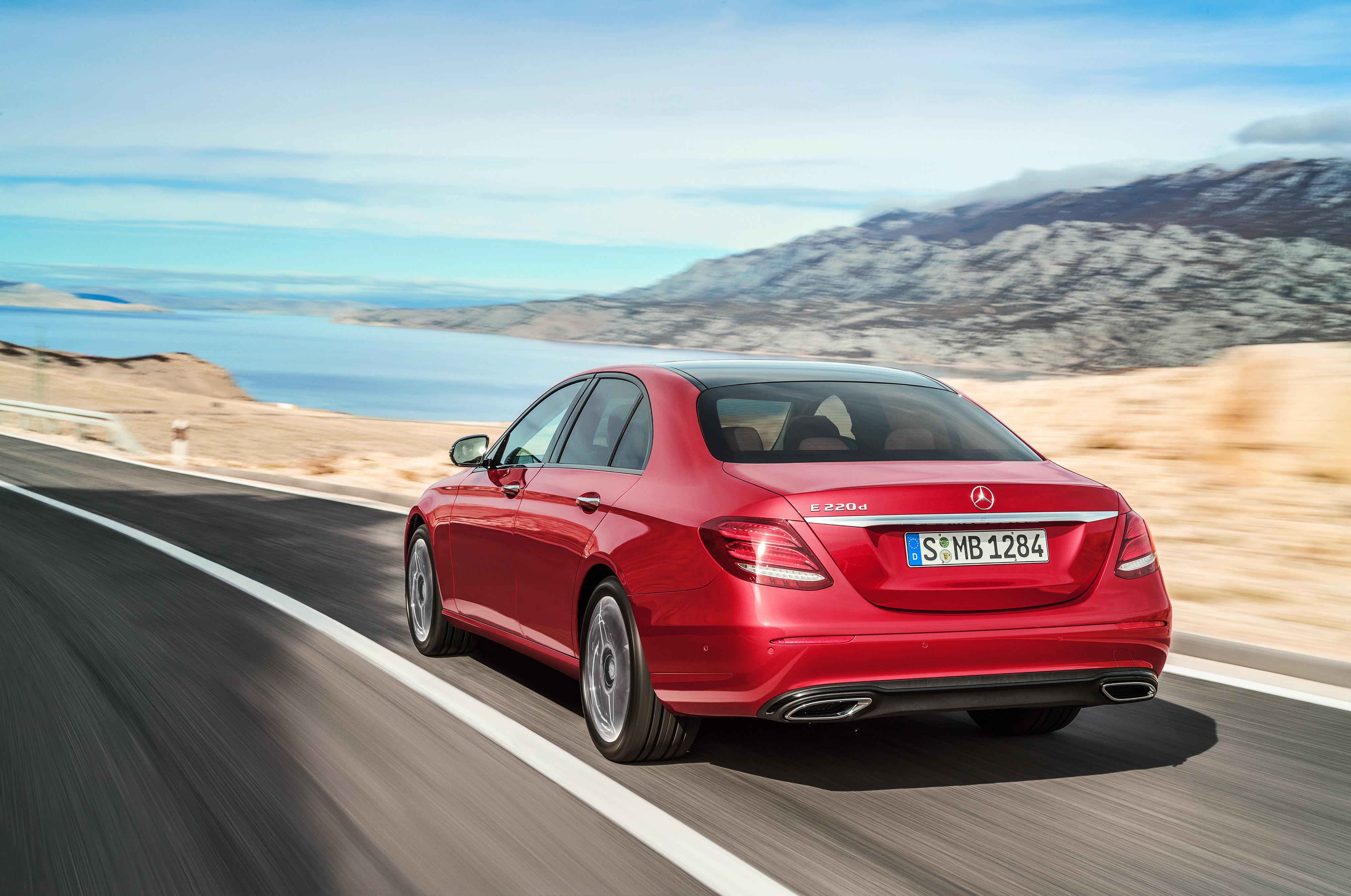 In deze Mercedes-Benz E 220 d maakt de nieuwe motor zijn debuut.