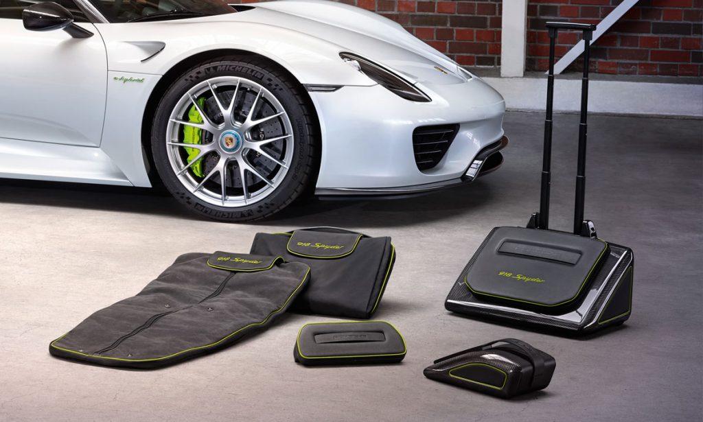 De volledige kofferset voor de Porsche 918 Spyder.