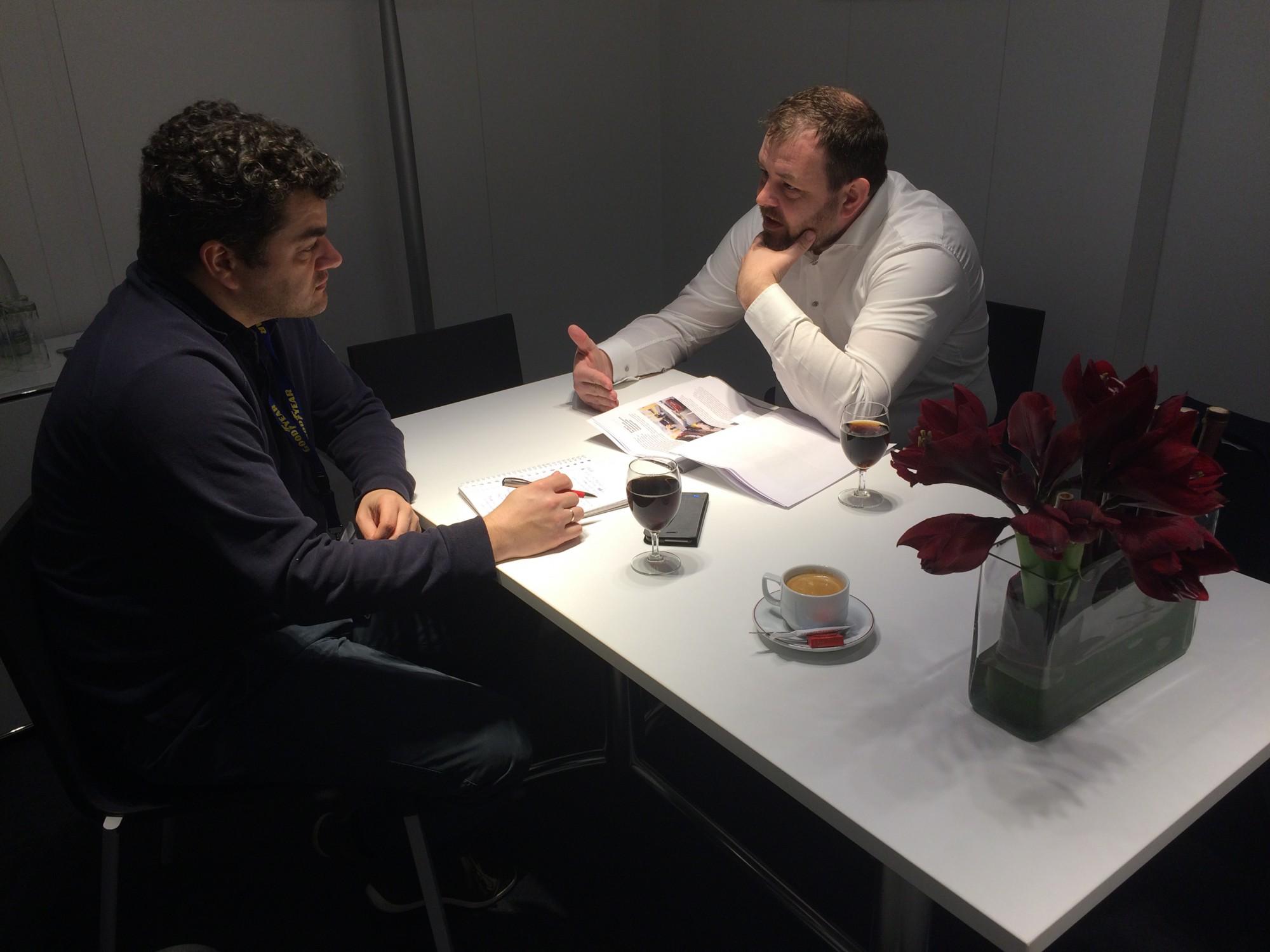 Sjoerd van Bilsen (l) in gesprek met Martijn ten Brink