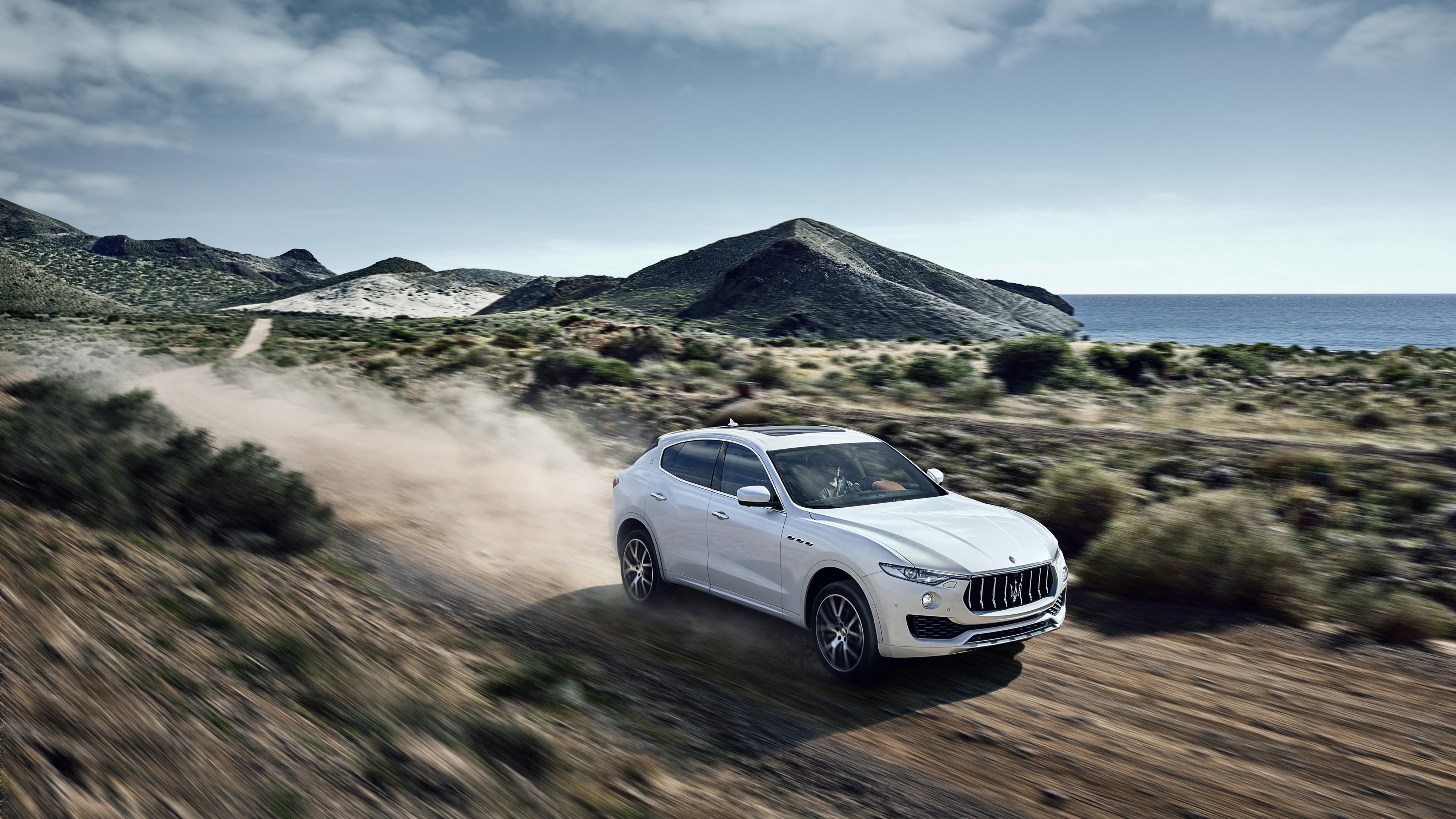 Maserati Levante - Autovisie.nl - 3
