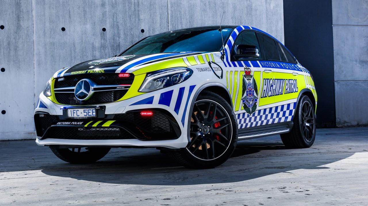 Mercedes_GLE_Police_Car_02