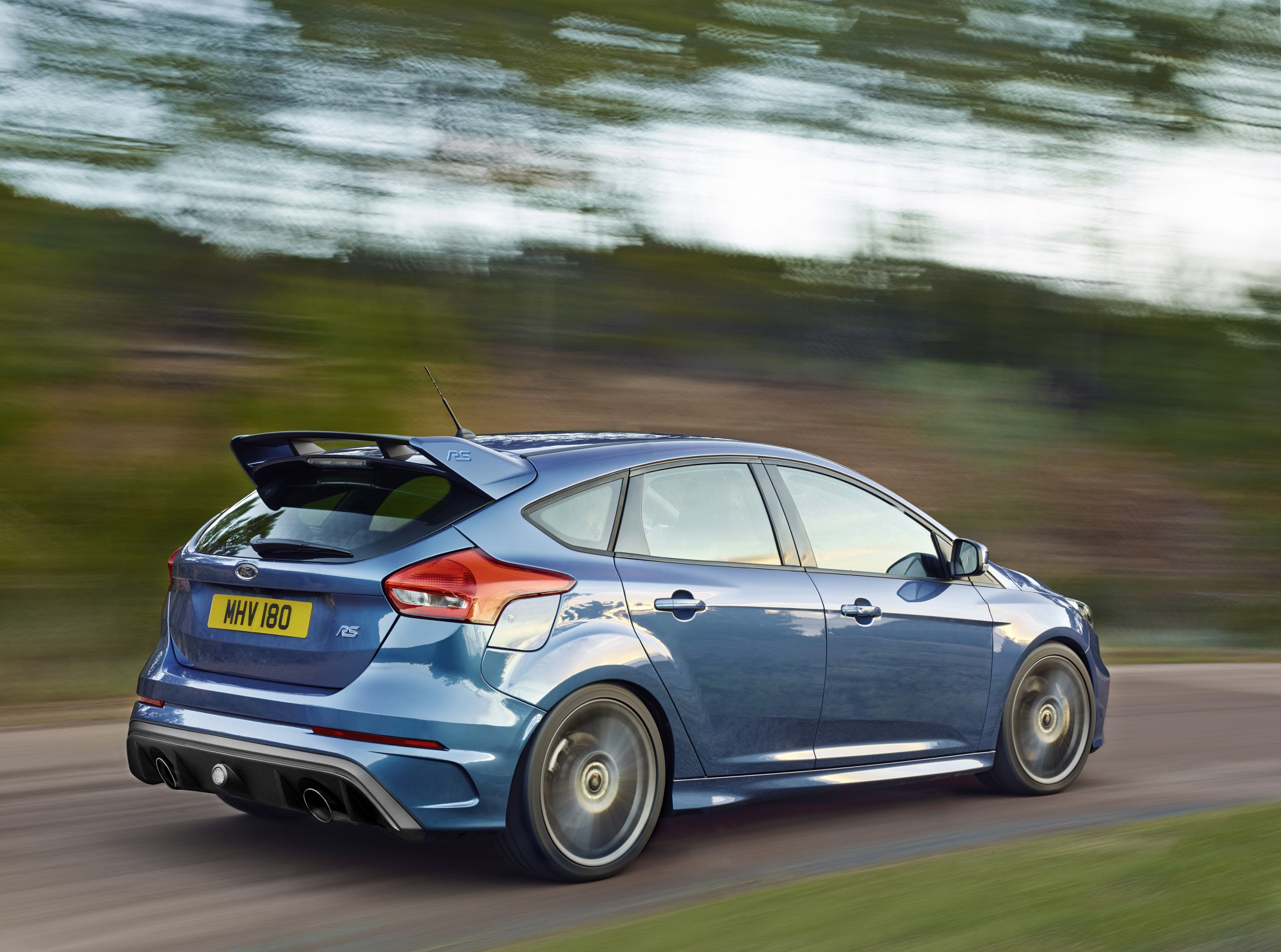 ford_focus_rs_17
