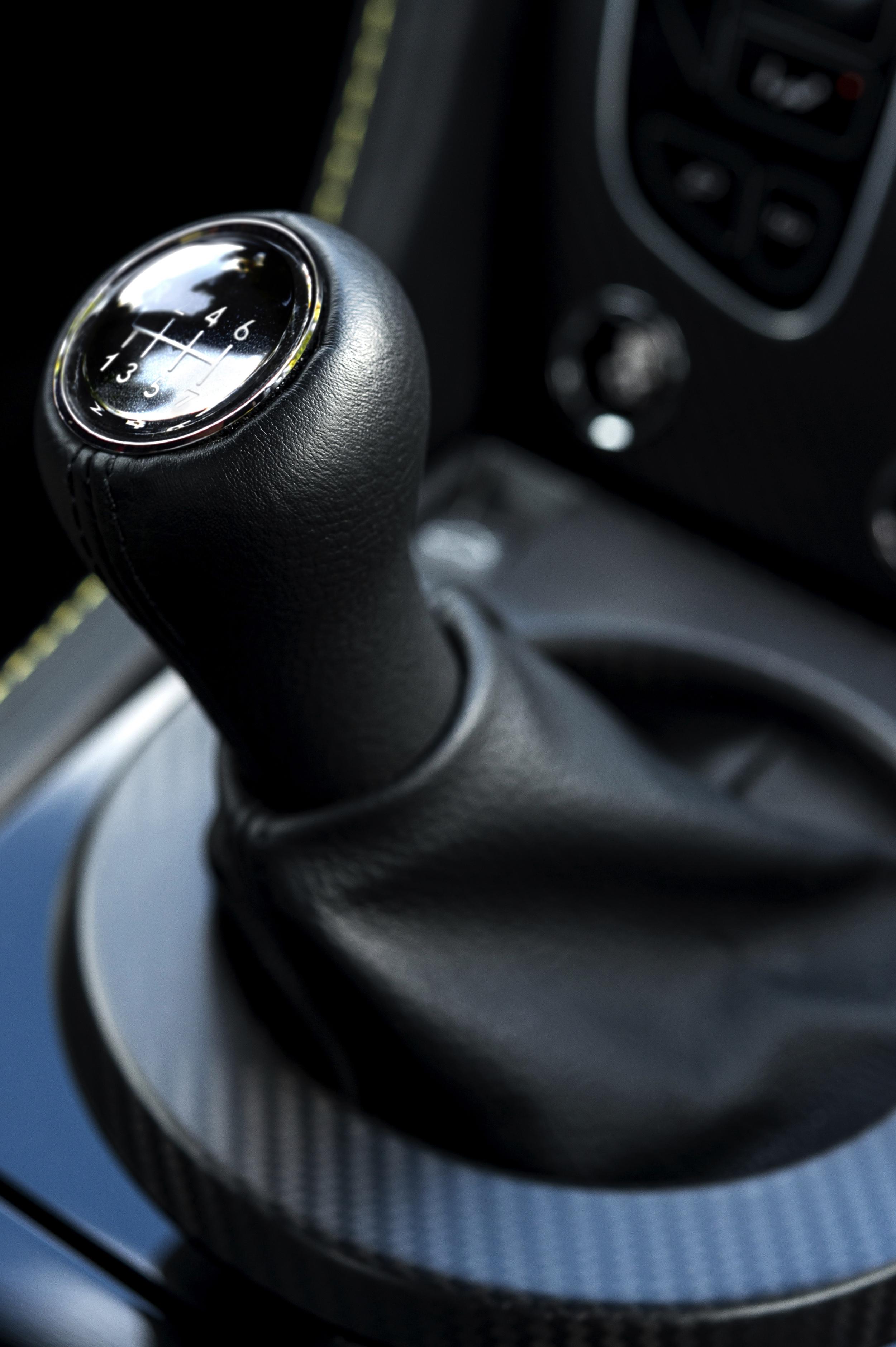 Aston Martin V12 Vantage S -11- Autovisie.nl
