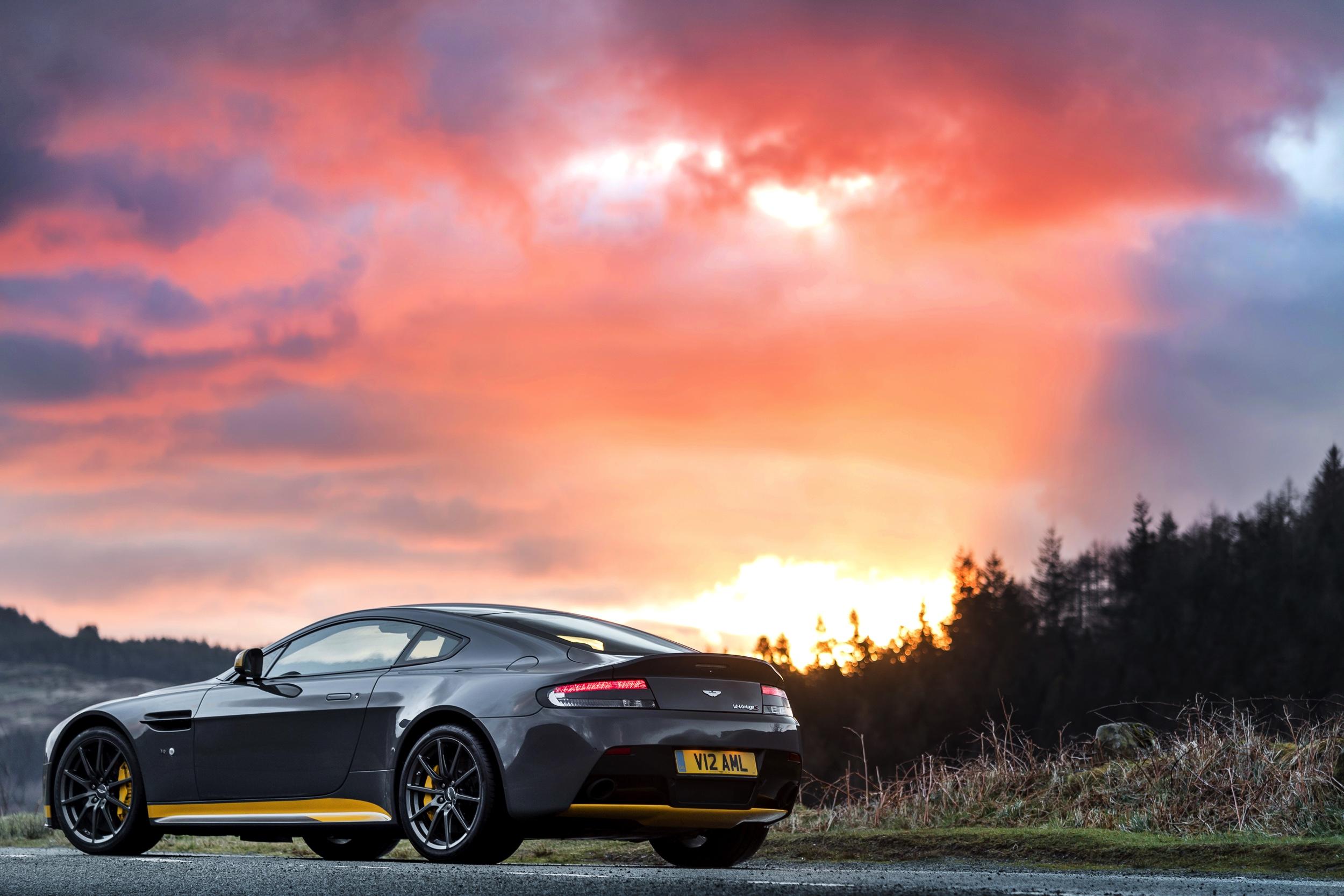 Aston Martin V12 Vantage S -13- Autovisie.nl