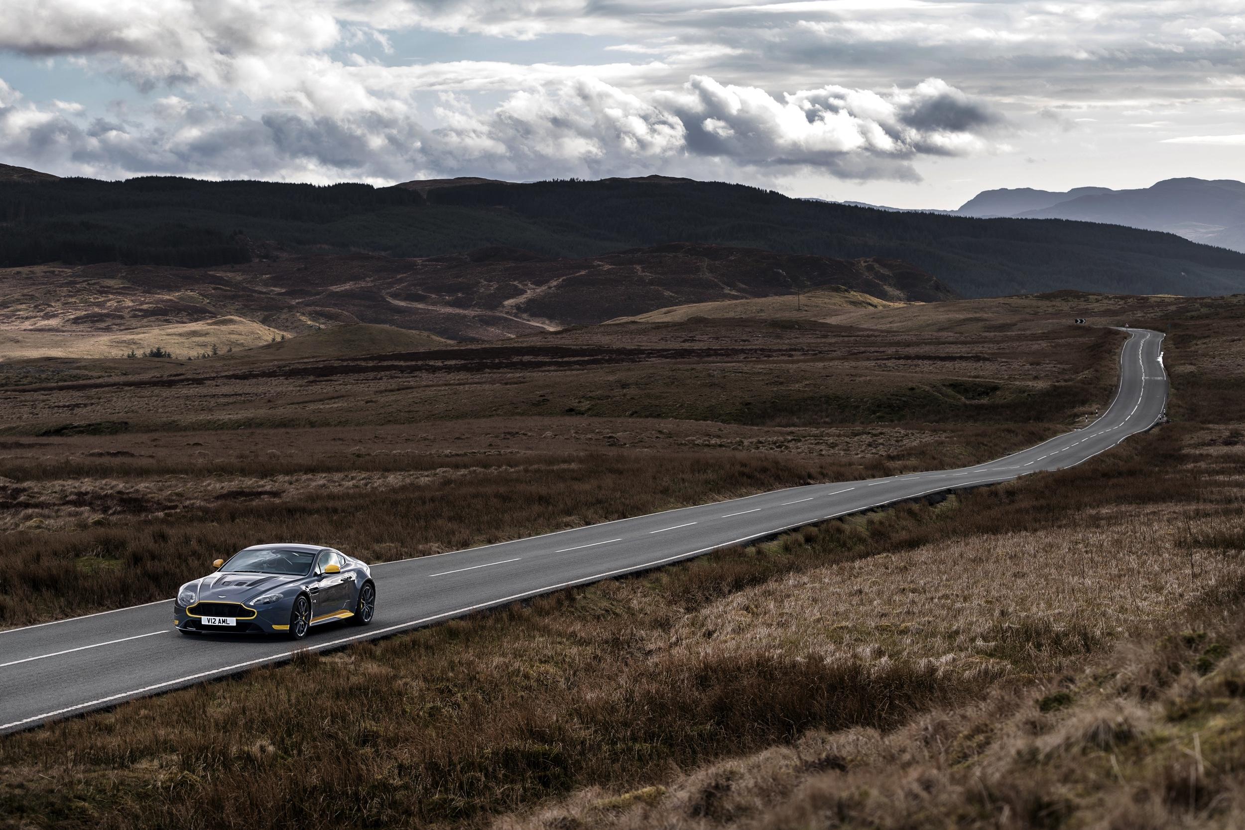 Aston Martin V12 Vantage S -31- Autovisie.nl