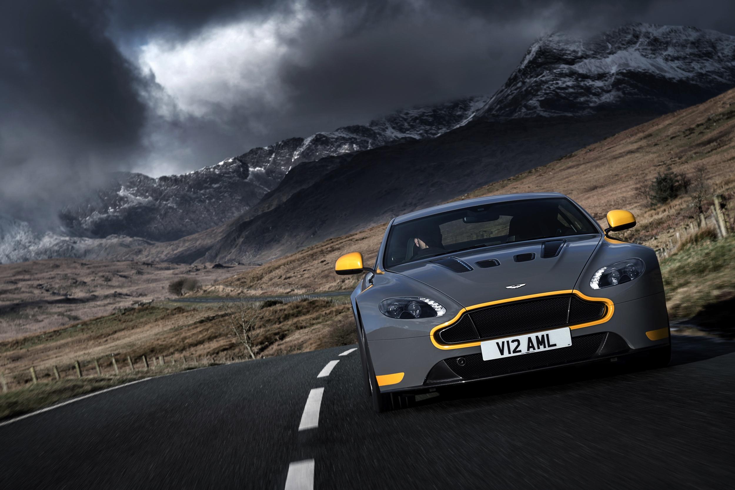 Aston Martin V12 Vantage S -34- Autovisie.nl