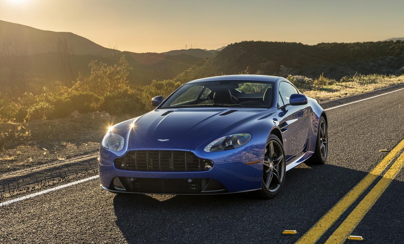 Aston-Martin-V12-Vantage-GTS-MY-2017-4