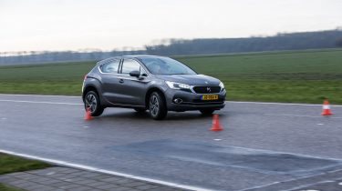Infinit Q30 vs DS4 (13 van 79)