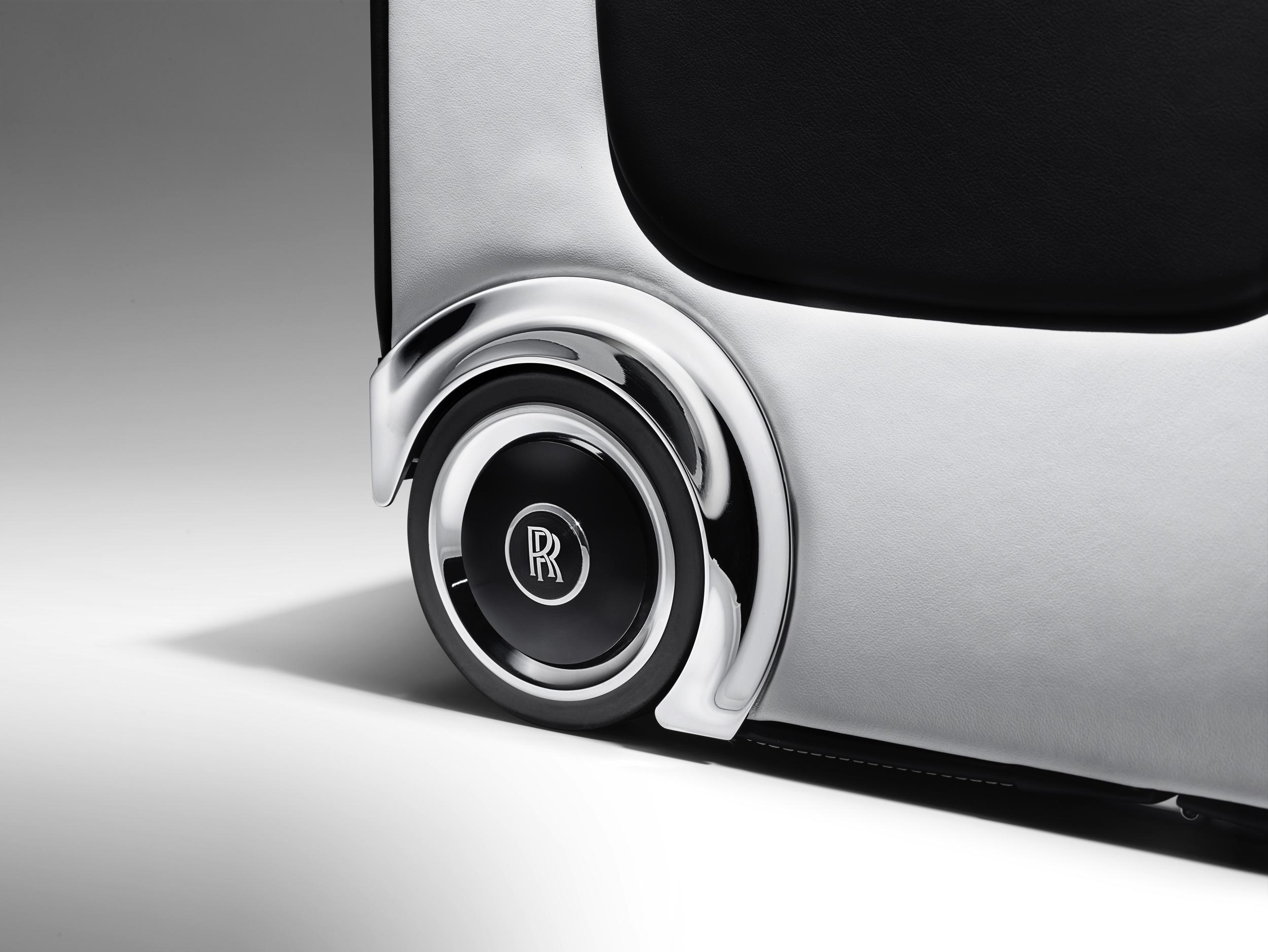 Kofferset Rolls-Royce Wraith -2- Autovisie.nl