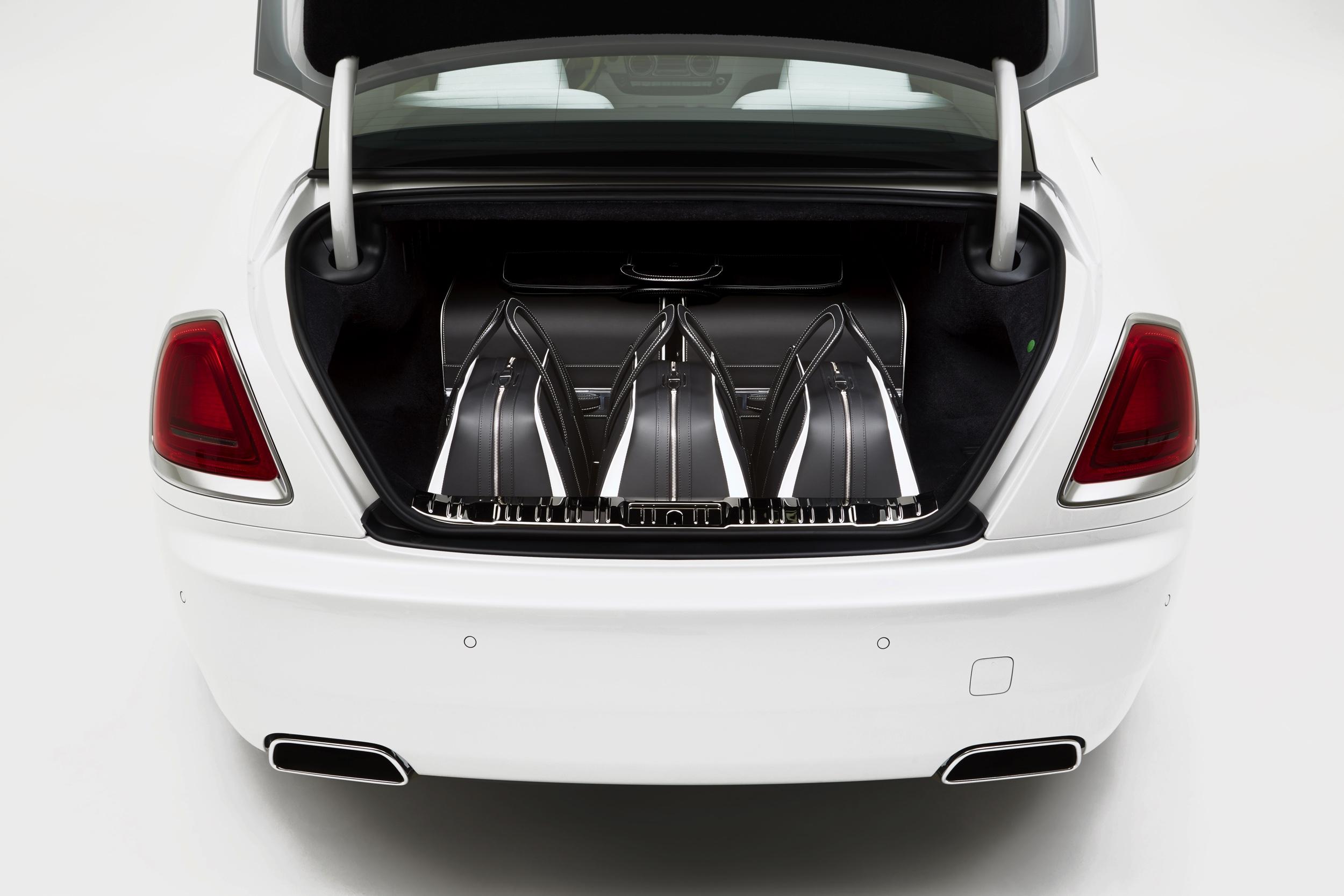 Kofferset Rolls-Royce Wraith -7- Autovisie.nl