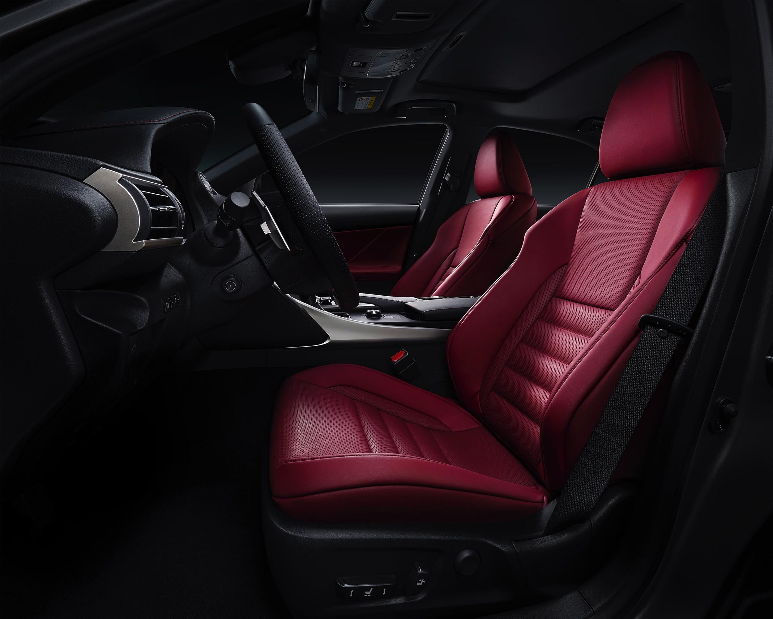 Lexus IS -2- Autovisie.nl