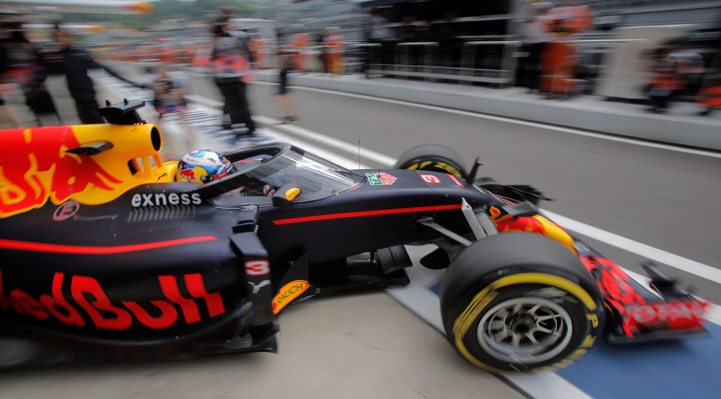 De voorruit op de auto van Daniel Ricciardo. Foto: Reuters