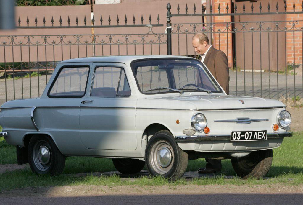 Poetin met zijn ZAZ 966 - Autovisie.nl