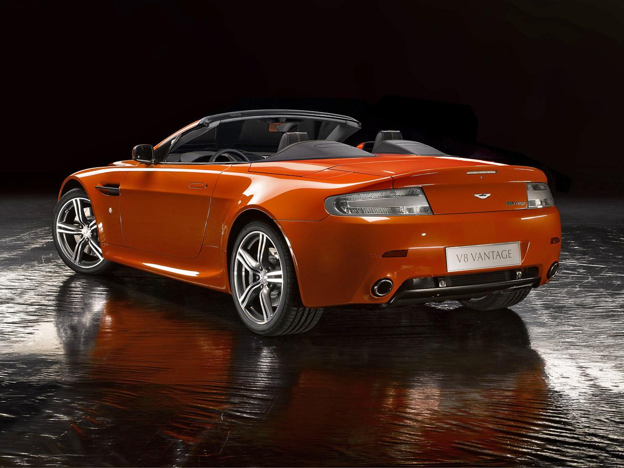 aston_martin_v8_vantage_n400_roadster_1