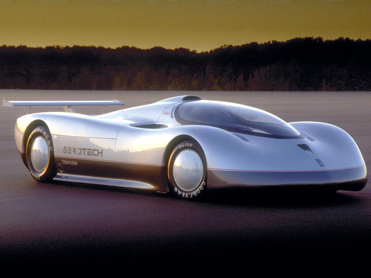 oldsmobile_aerotech_concept_4