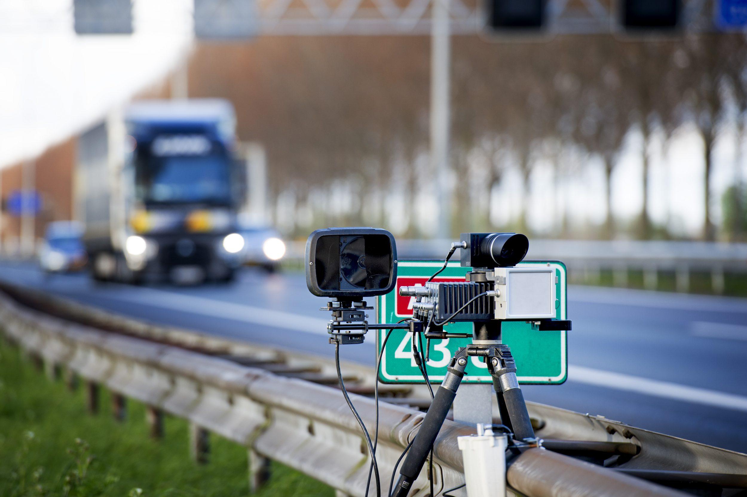 Flitser snelweg verkeersovertredingen boetes