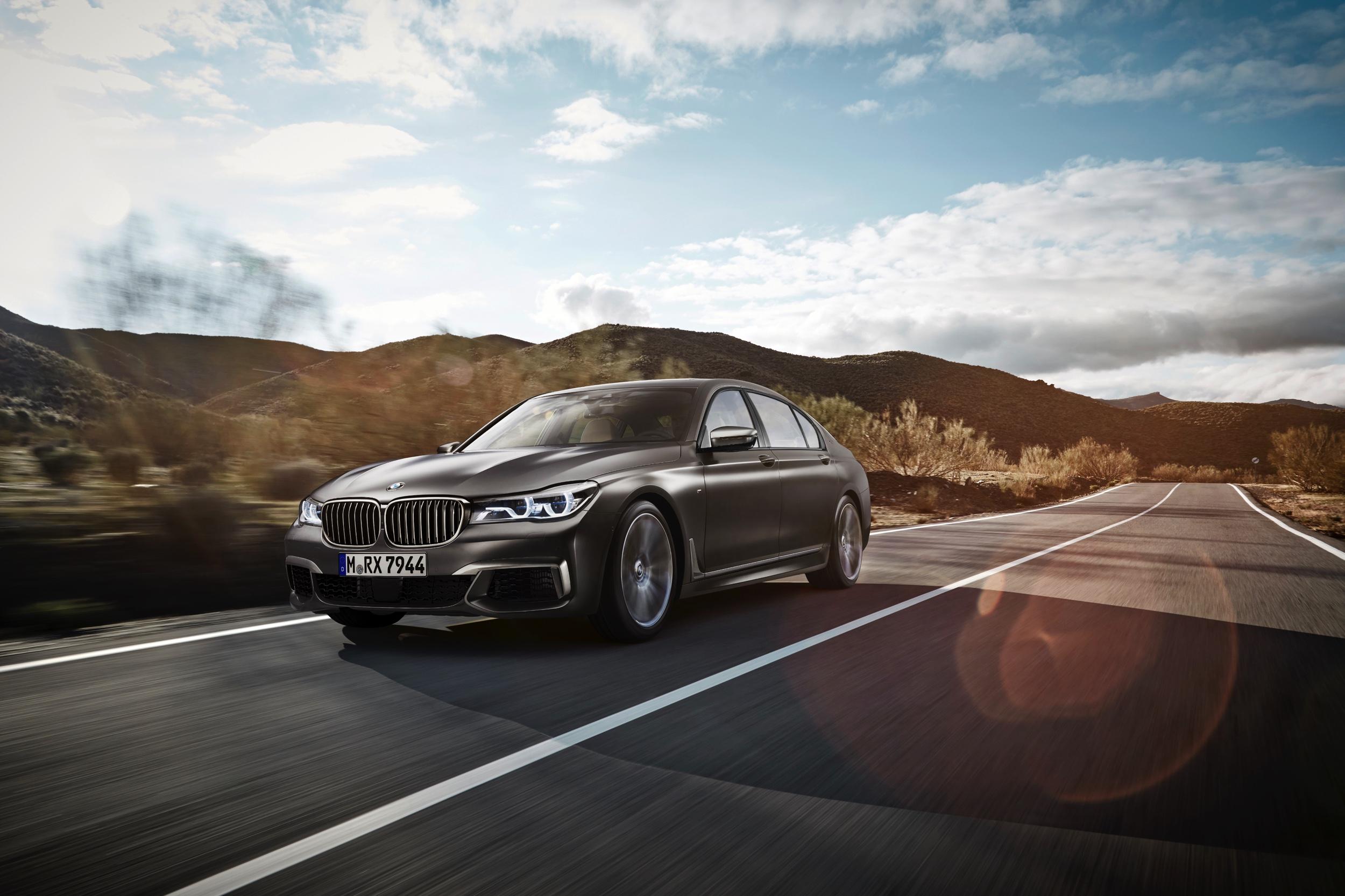 BMW M760Li -20- Autovisie.nl