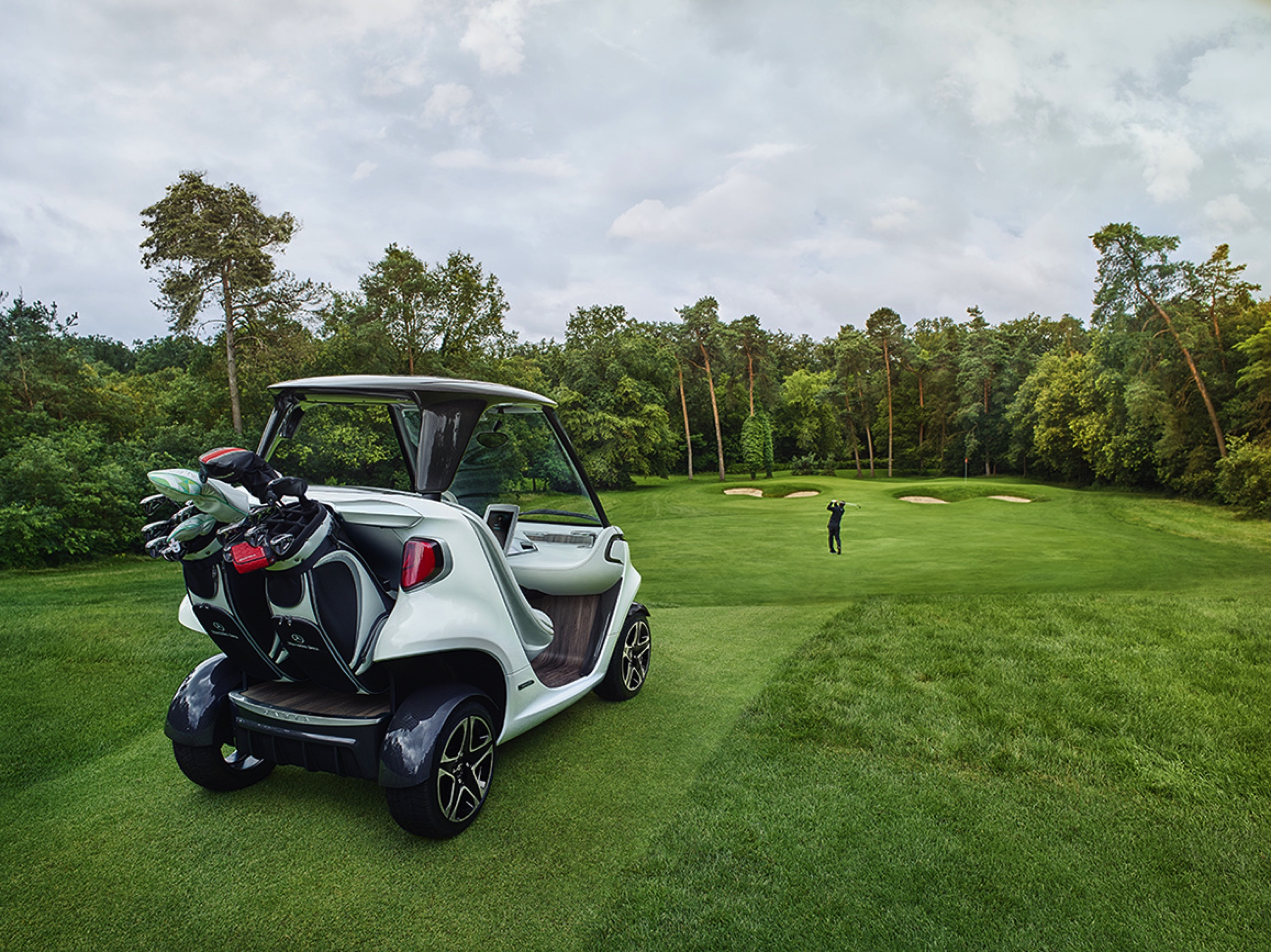 Mercedes-Benz Style Edition Garia Golf Car -6- Autovisie.nl