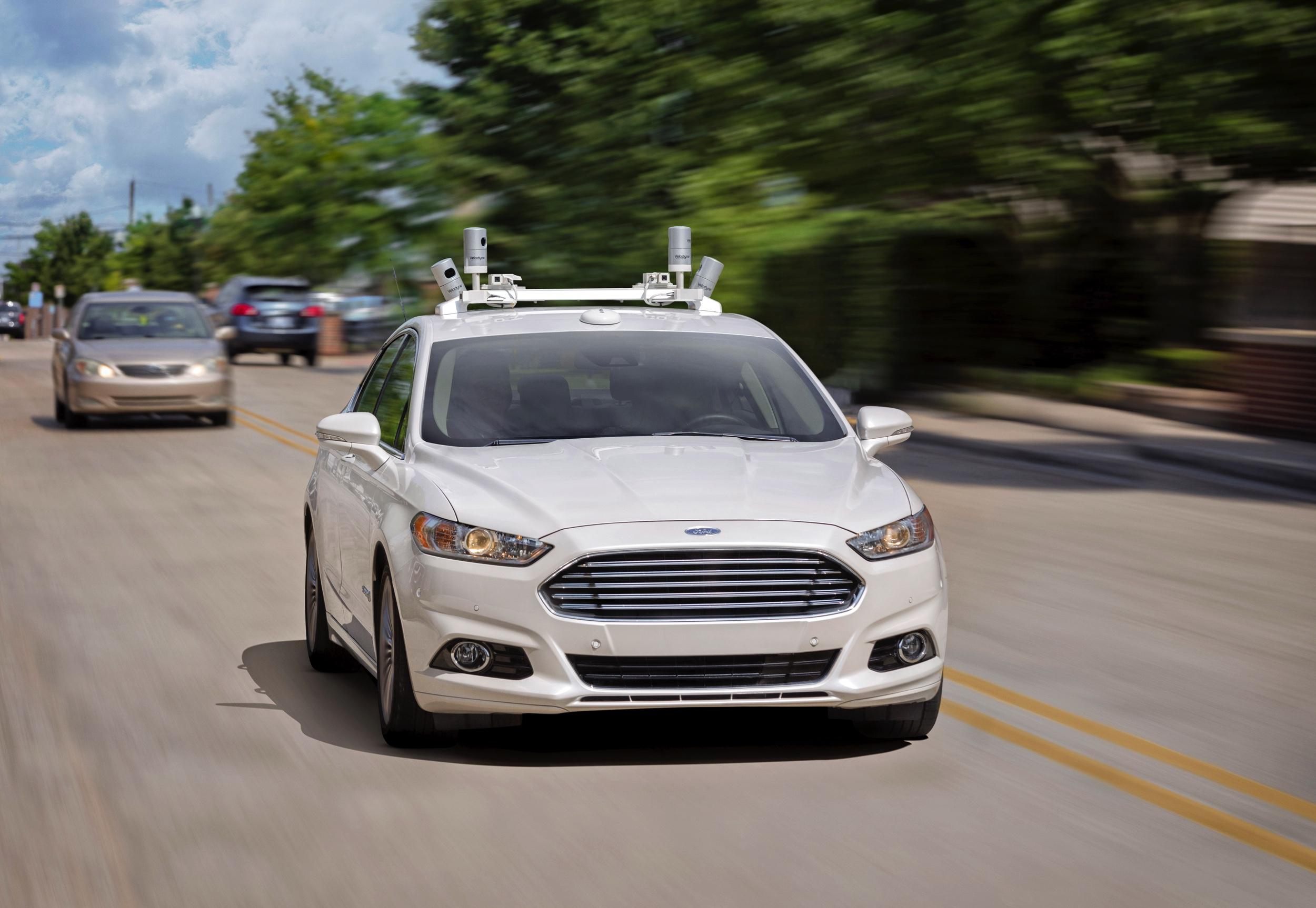 3-Ford Fusion Hybrid Autonoom rijden test - Autovisie.nl