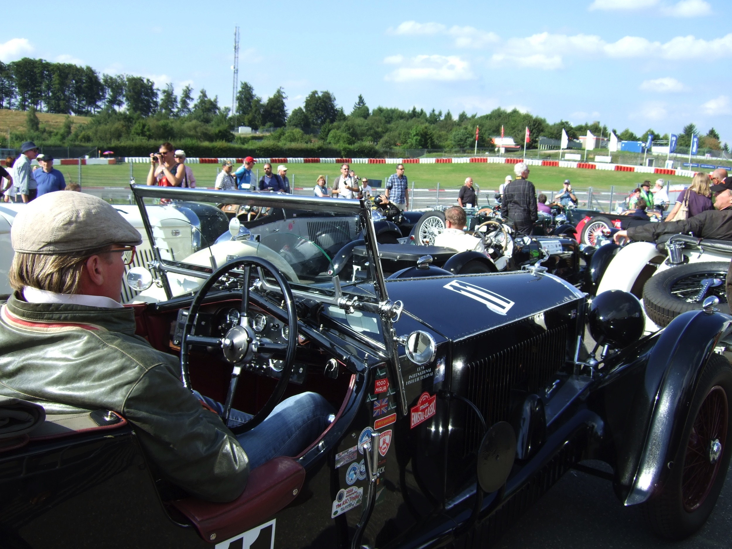 Oldtimer Grand Prix -3-Derek Harsanyi - Autovisie.nl