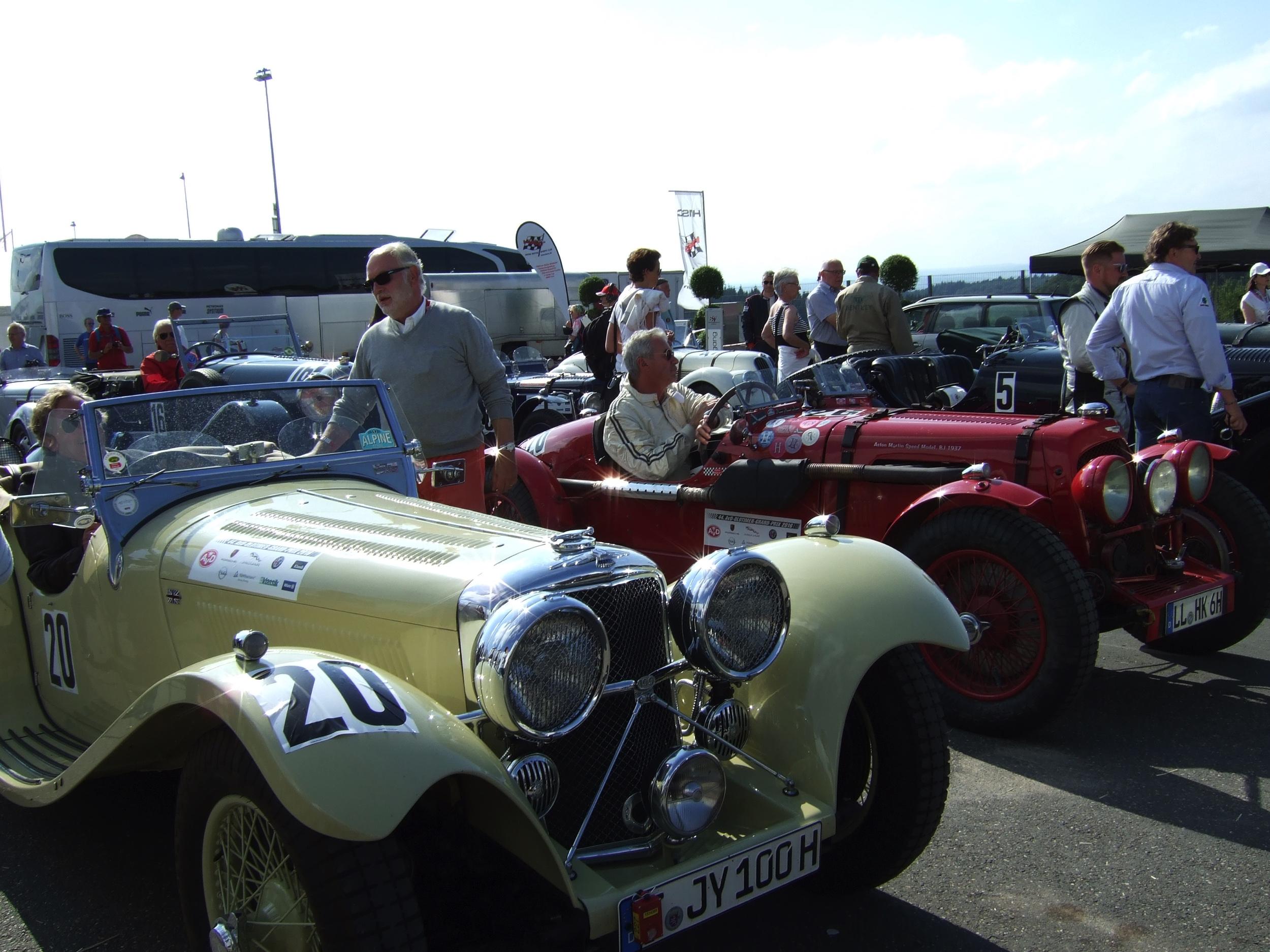 Oldtimer Grand Prix -4-Derek Harsanyi - Autovisie.nl
