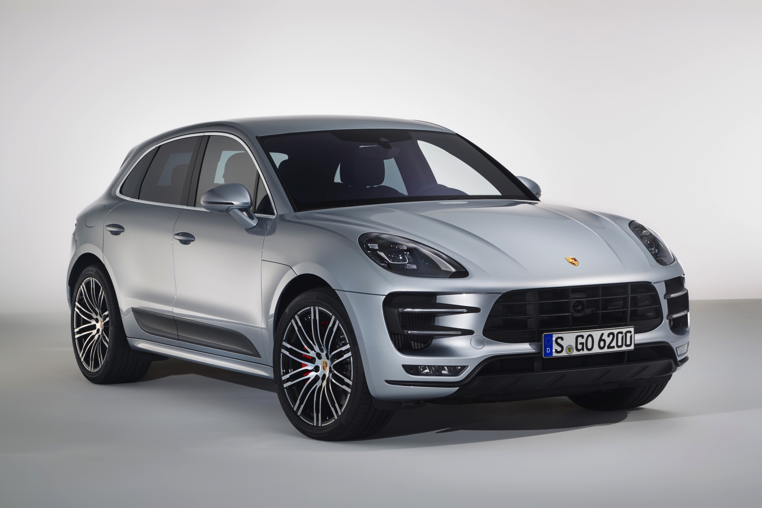 Porsche Macan Turbo Performance Package - Autovisie.nl -1