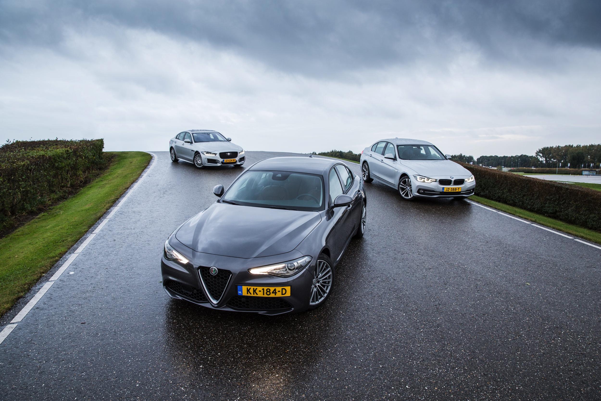 Preview Autovisie 23 -1- Jaguar XE Alfa Romeo Giulia BMW 3 Serie - Martijn Bravenboer - Autovisie.nl