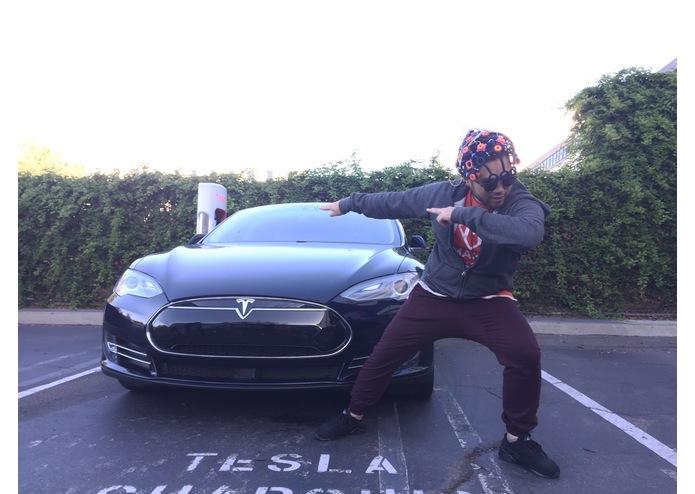 Telepatische hacker met Tesla Model S - Autovisie.nl