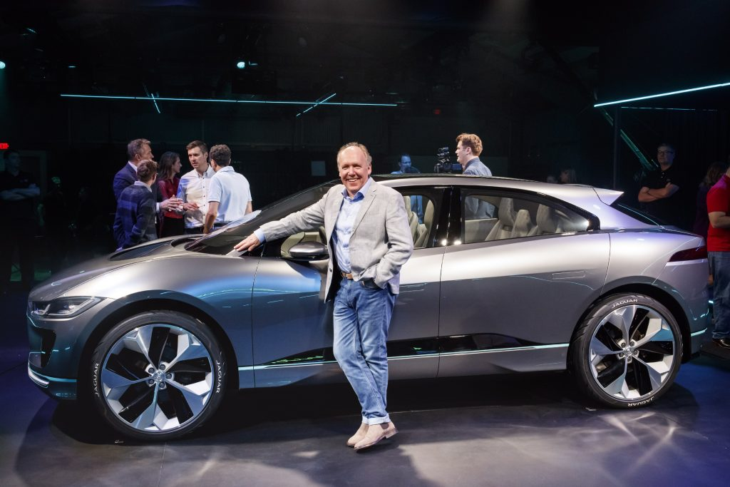 Ian Callum bij de Jaguar I-Pace - Autovisie.nl