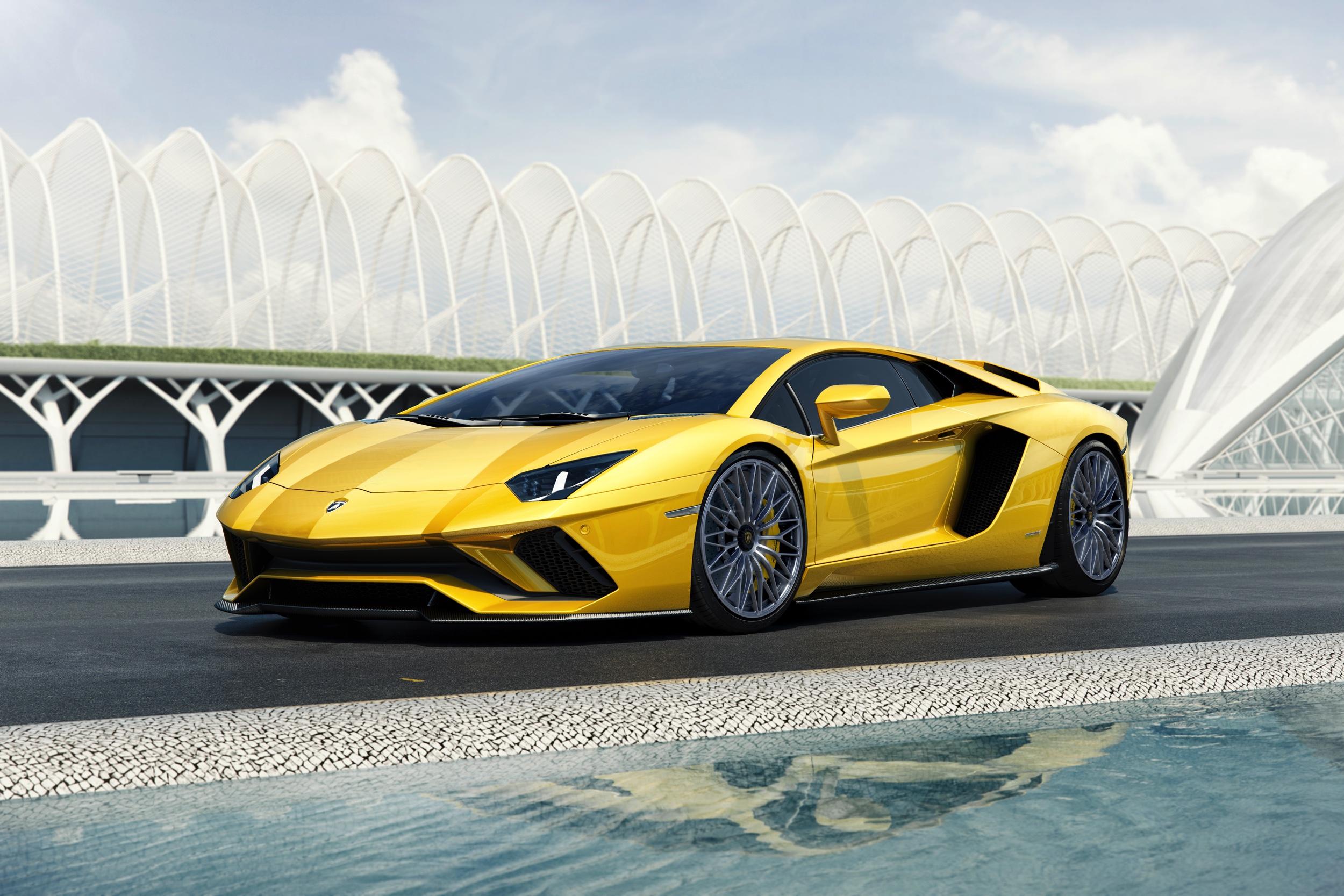 Lamborghini Aventador S - exterieur - Autovisie.nl