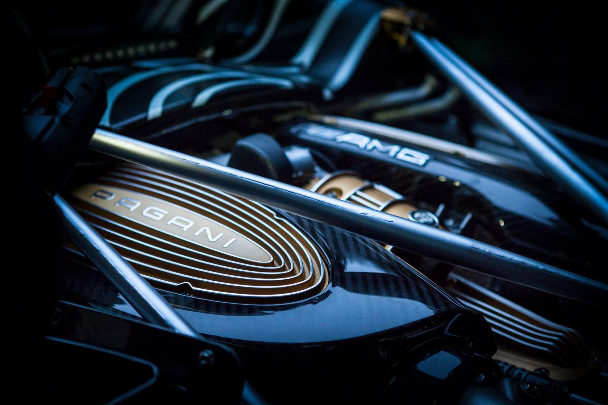Pagani Huayra Roadster teaser - Autovisie.nl