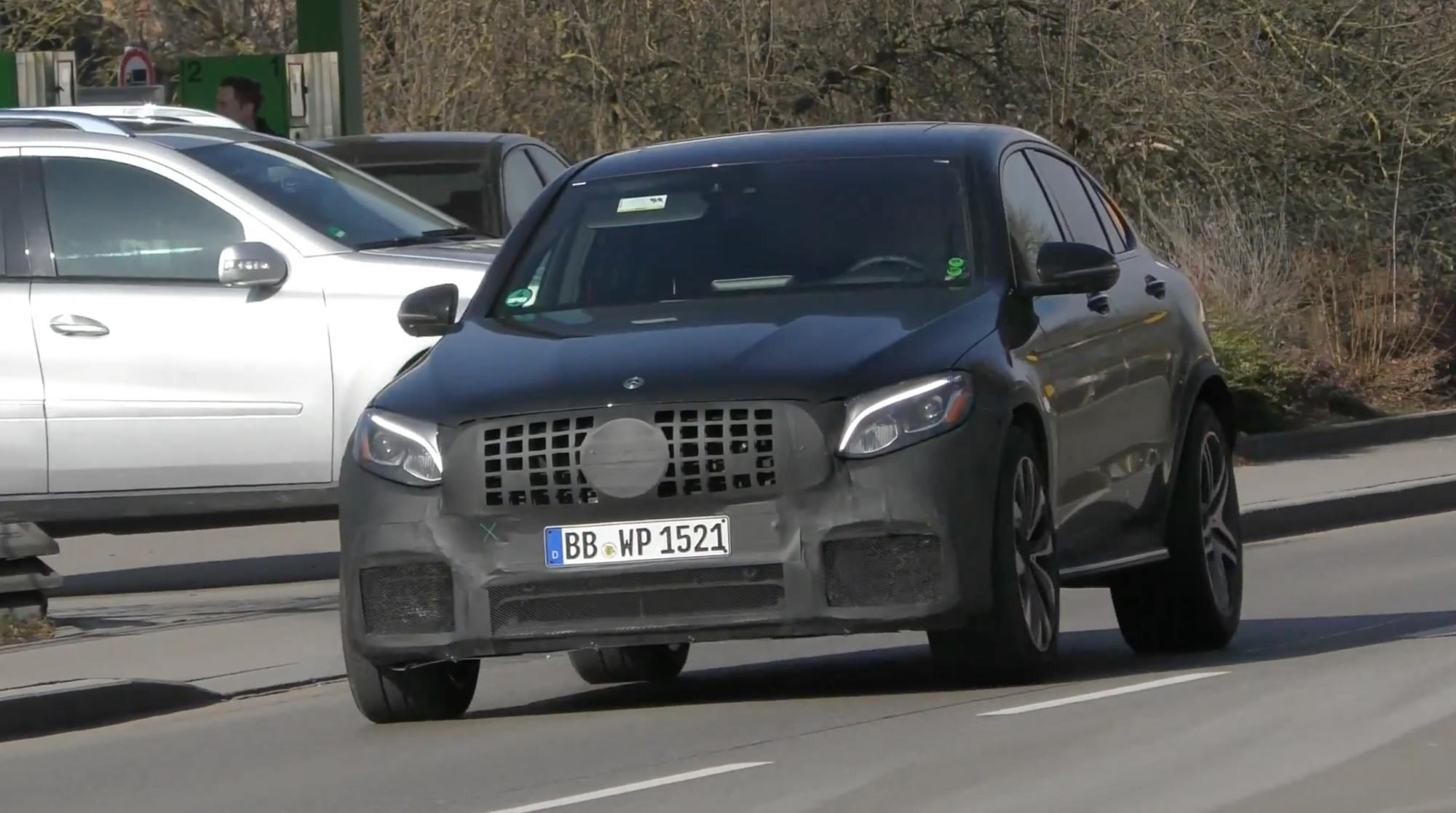 Mercedes-AMG GLC 63 Coupe - WalkoArt - Autovisie.nl