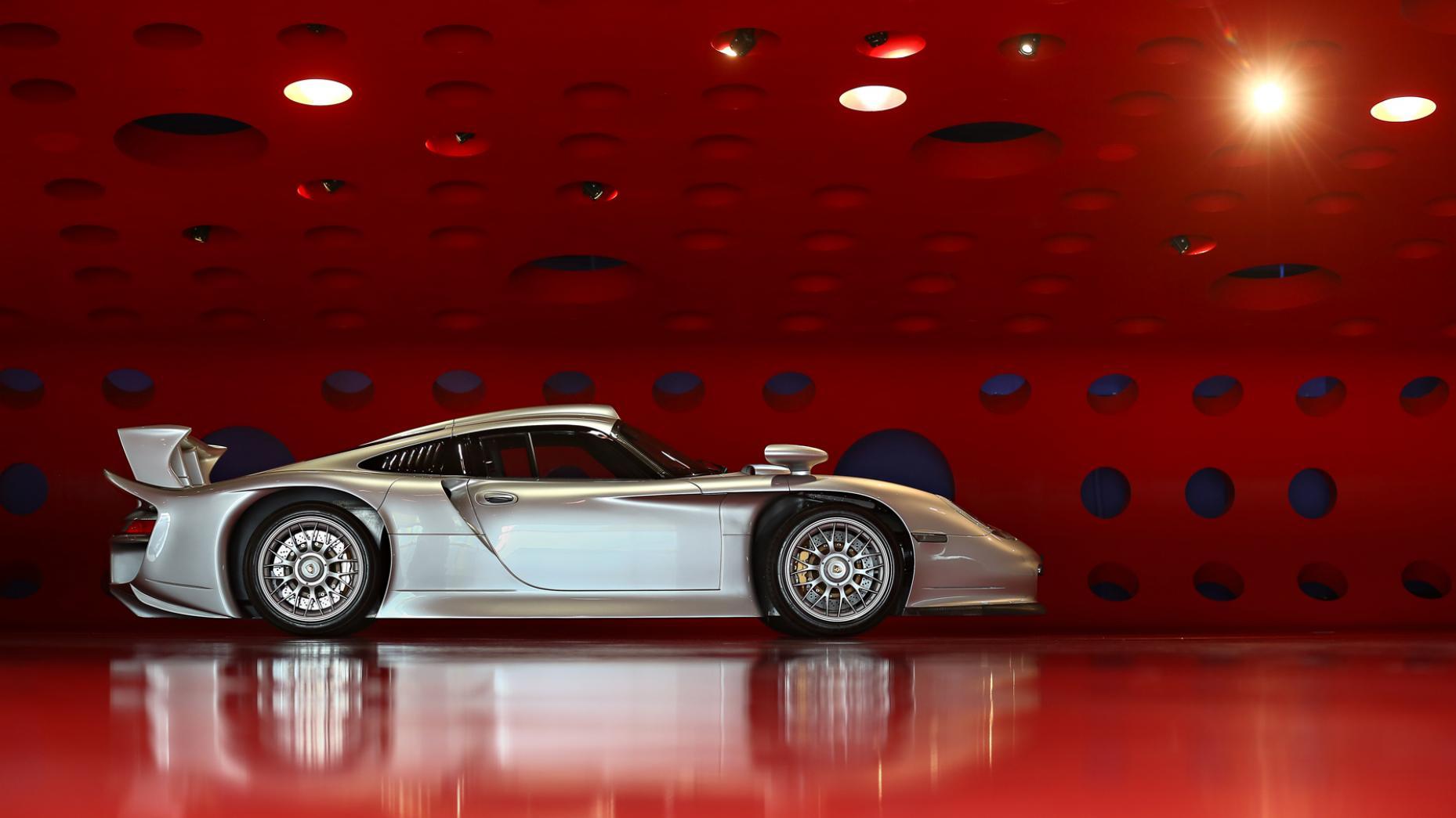 Porsche 911 GT1 Straßenversion -6- Gooding and Co - Autovisie.nl