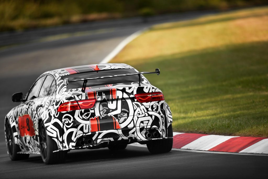Jaguar XE SV-Concept 8 II-Autovisie.nl
